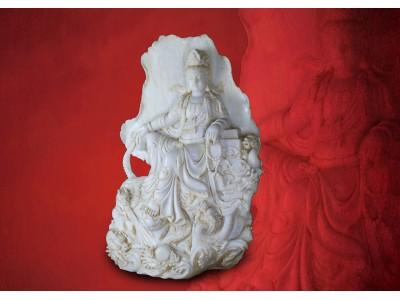 白玉鏤雕五龍自在觀音