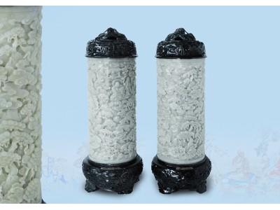 清 黃玉透鏤雕 立體十八羅漢薰筒